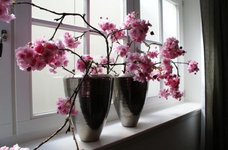 grote vaas met nepbloemen - Google zoeken - Woonkamer | Pinterest ...