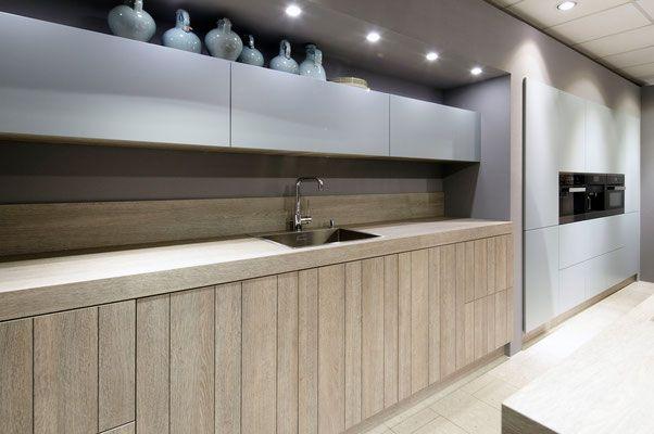 cuisine design et contemporaine toulouse porte bois façon planche
