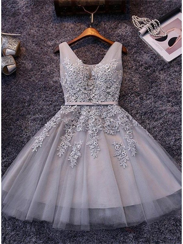 V Neck Lace up Short Homecoming Dress With Lace Applique