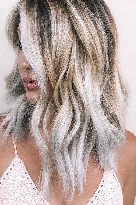 Gerostete Kokosnuss Ist Der Herbstfreundlichste Haarfarbentrend Der Saison Frisuren Perfekt Blond Blond Farben