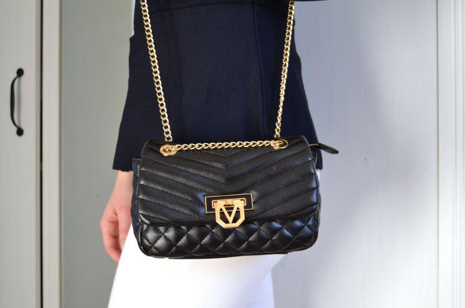 #blogger #valentino #handbag #minibag #style #fashion #blackbag #fashionblogger #fairiesandberries #trend #bag #girlmusthave