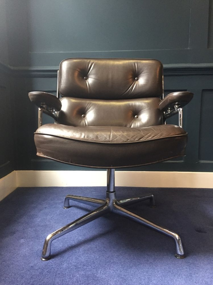 Wondrous Pair Of Original Charles Eames Vitra Lobby Chair Eames Caraccident5 Cool Chair Designs And Ideas Caraccident5Info
