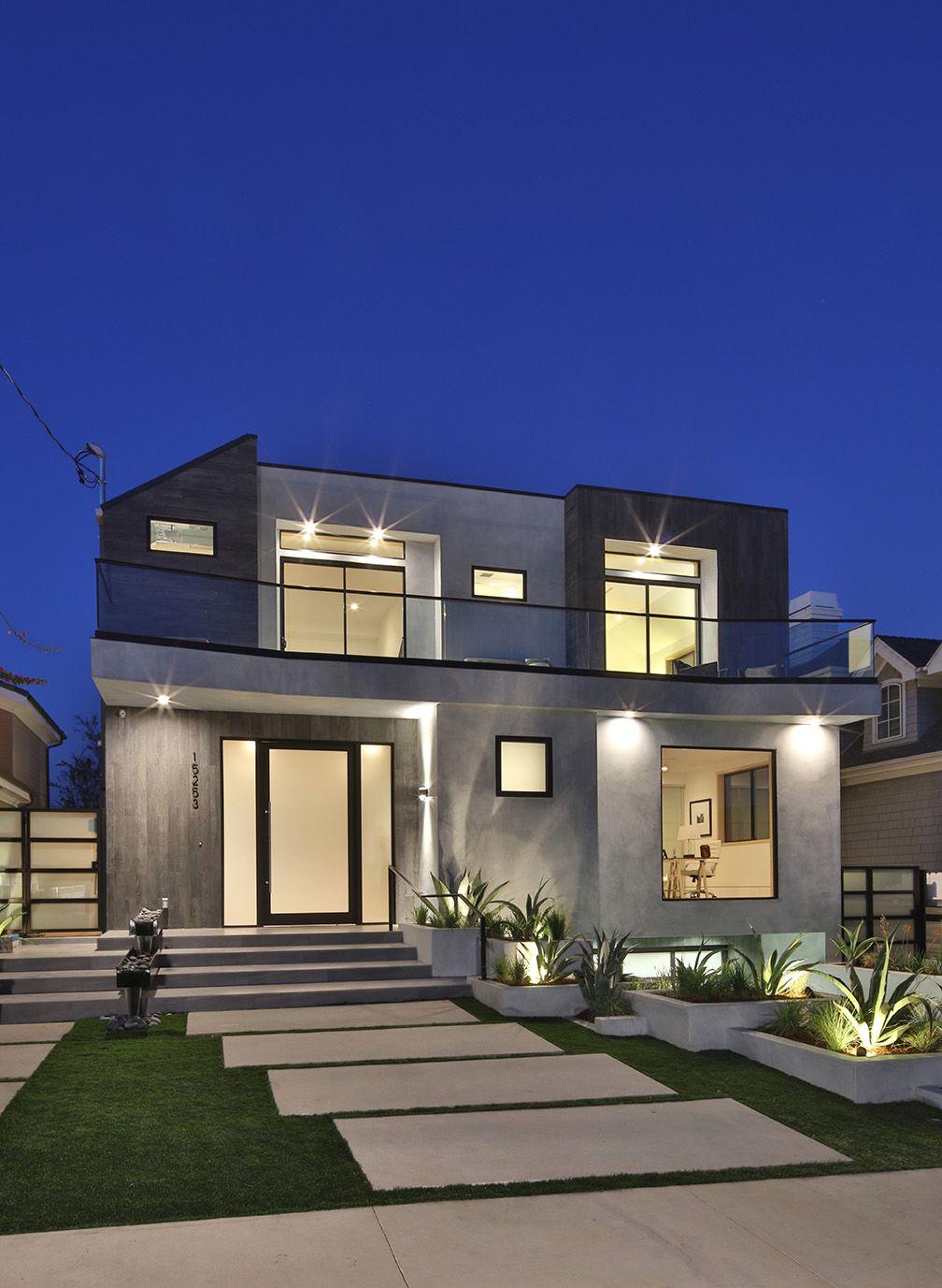 Contemporary Architectural Minimalist Luxury Home Exterior
