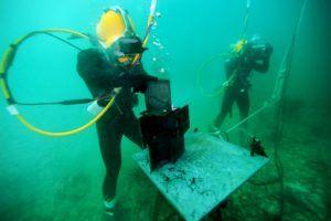 A Guide How To Become An Underwater Welder Underwater Welding Underwater Welding Schools Underwater Welder