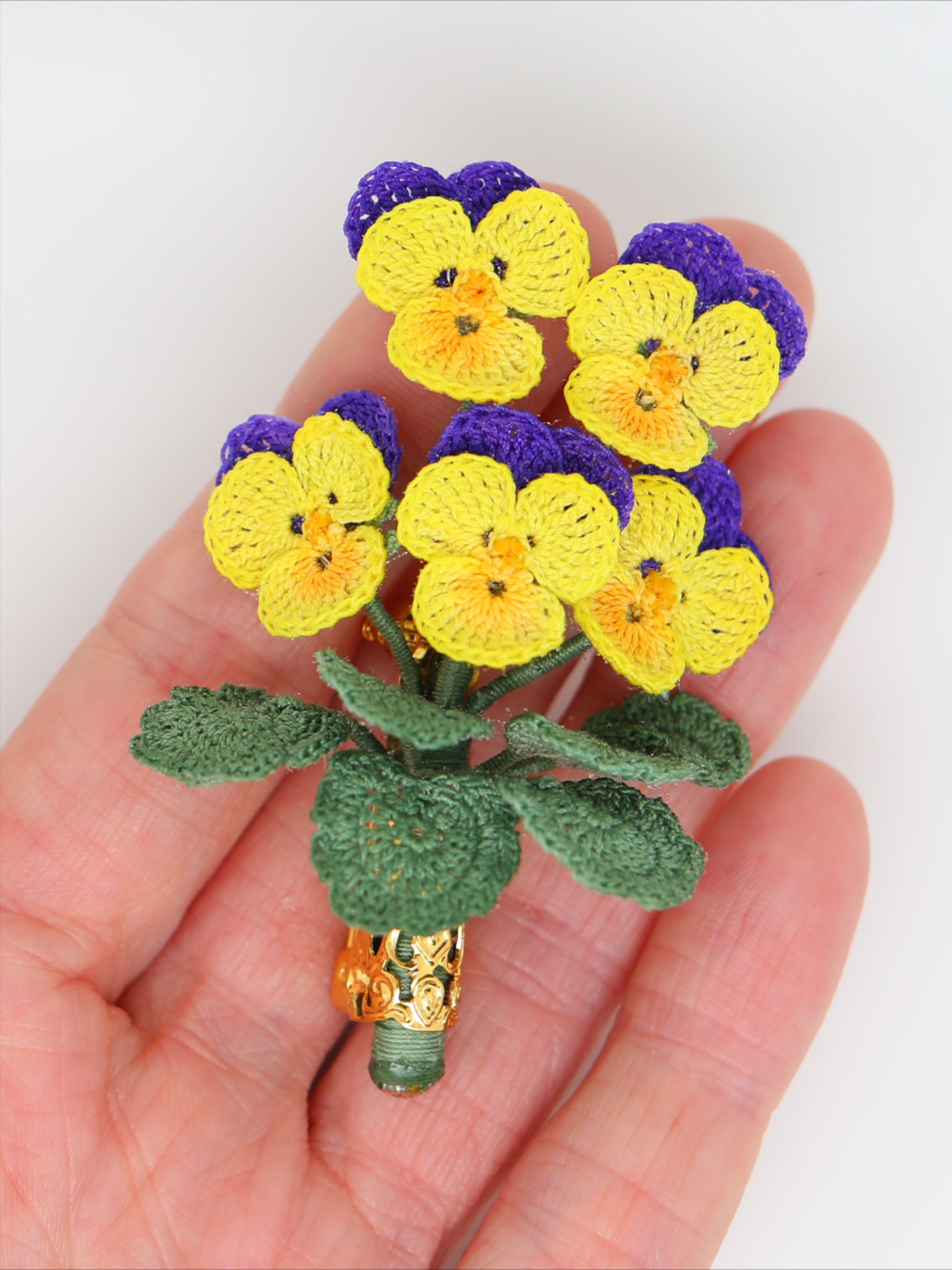Mini Flower Girl Brooch Bouquet
