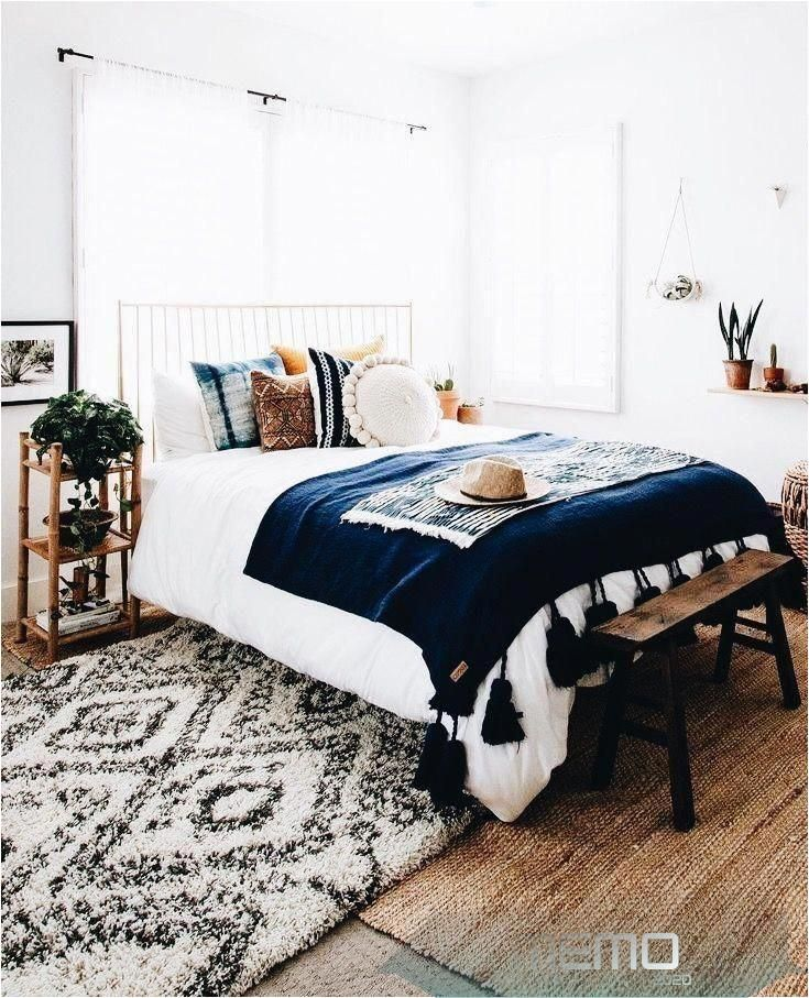May 30, 2020 - This Pin was discovered by Maggie. Discover (and save!) your own Pins on Pinterest.#bedroomdecor