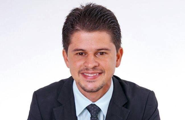 O prefeito de Capelinha Tadeuzinho toma posse como representante do Alto Jequitinhonha nos Fóruns Regionais de Governo