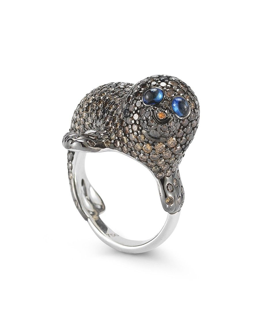 Roberto Coin SEAL RING WITH BLACK AND WHITE DIAMONDS AND BLUE SAPPHIRES
