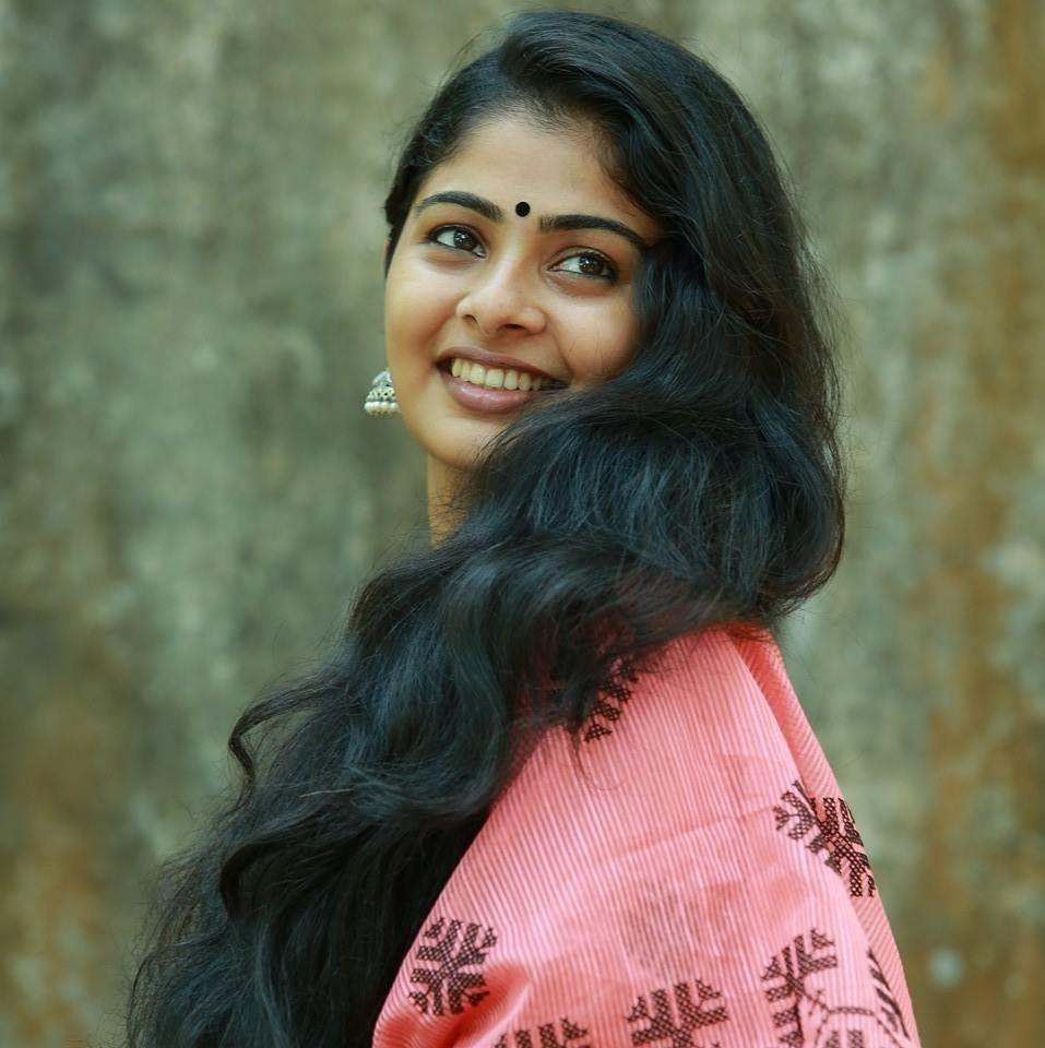 Easy Ladies Hairstyles In Kerala: Swathy Narayanan Pics 225 001 In 2019