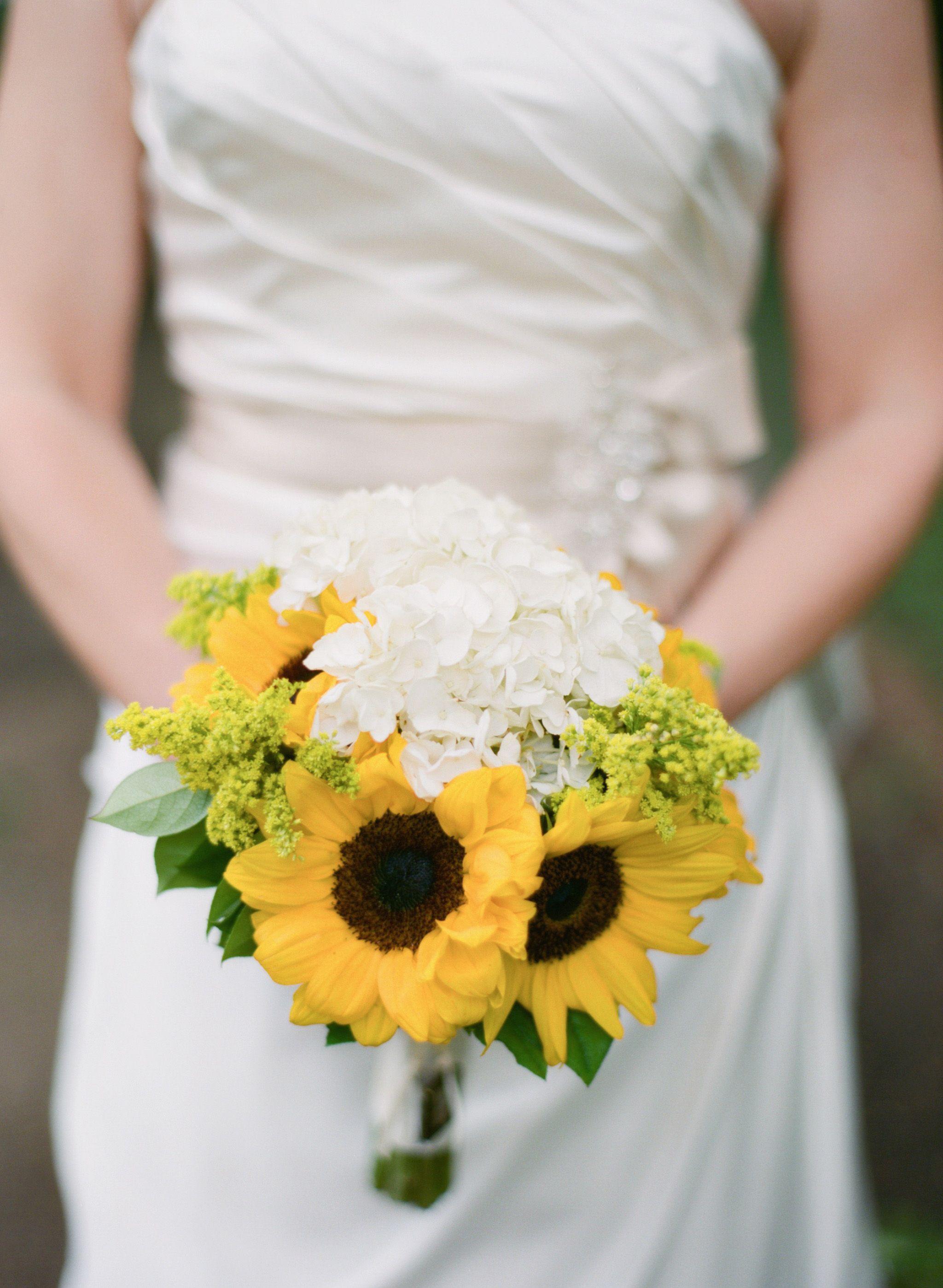Brautstrau mit Sonnenblumen Super schn