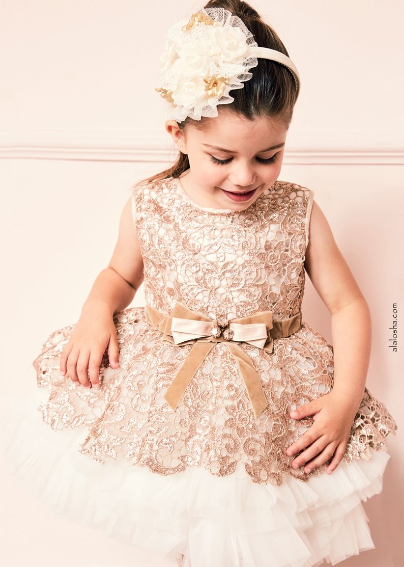 d4043f04895f ALALOSHA  VOGUE ENFANTS  Must Have of the Day  Step Into CHRISTMAS ...