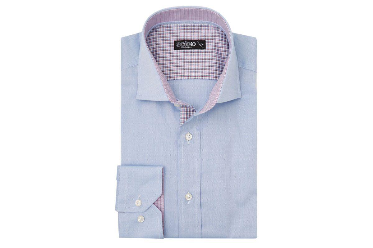 Camisa azul con detalles en cuadros rosas de SOLOiO