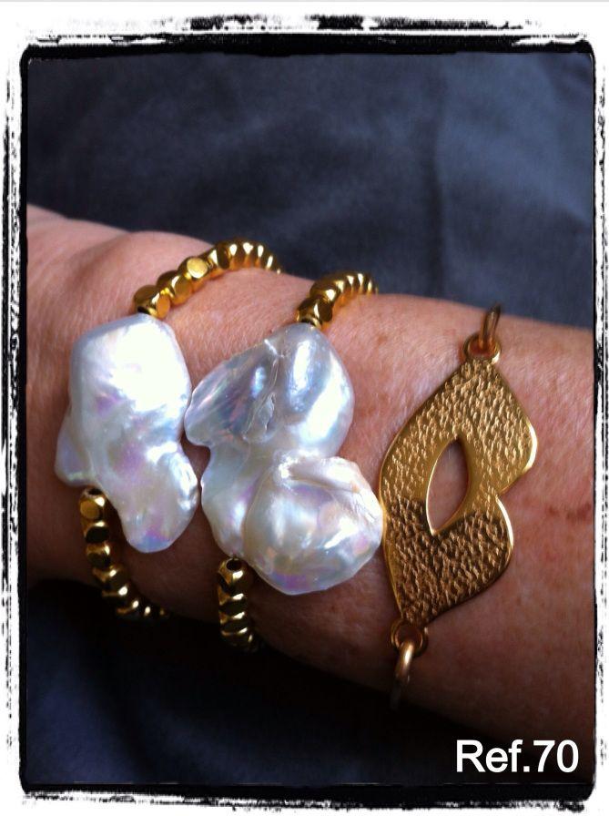 553f190ba7a9 Pulseras perla barroca y brazalete labios   PERLAS   Jewelry ...