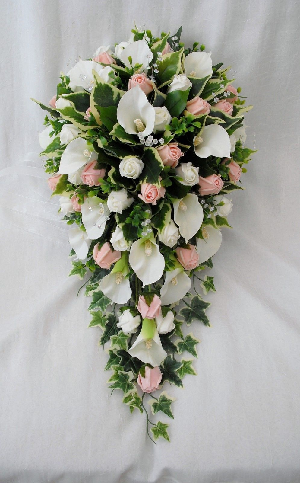 Bouquet Of Beautiful Pink And White Roses With Baby S Breath Buy Online At Best Prices In Sri Lanka From Lankaeshop Com