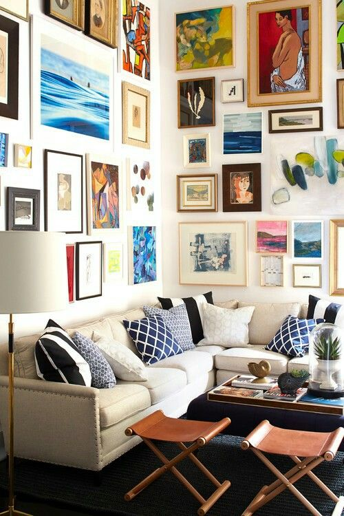 Gretchen Says Nice Balance In The Pops Of Color The Pillows In One Color Do Not Compete With The Wall But Allow It To Be Small Living Room Layout Small Living
