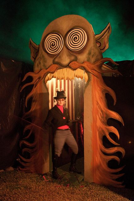 The RingMaster Carnival, Halloween ideas and Haunted houses - circus halloween decorations