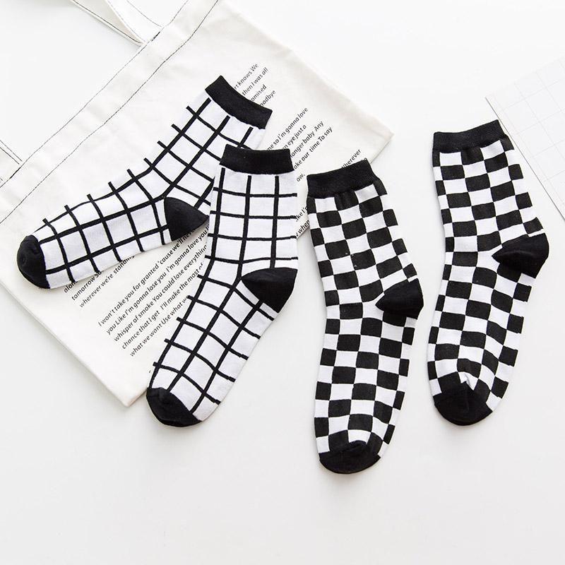 itGirl Shop CHECKERED GRID NOIR BLANC CHAUSSETTES MINIMALES Vêtements Esthétiques, Tumblr C …   – çorap