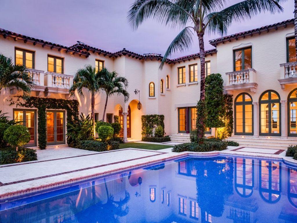 For sale stunning landmarked oceanfront estate built in