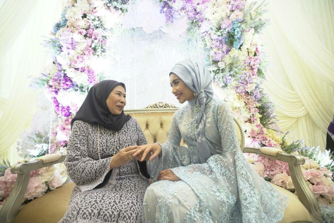 Sekitar Pertunangan Yuna Adam Sinclair 6 Gambar Hijab Fashion
