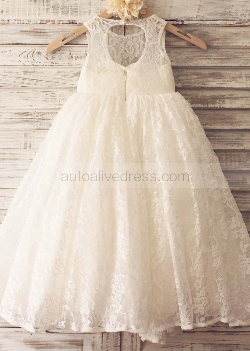 This is the full lace version of our most popular lacetulle flower