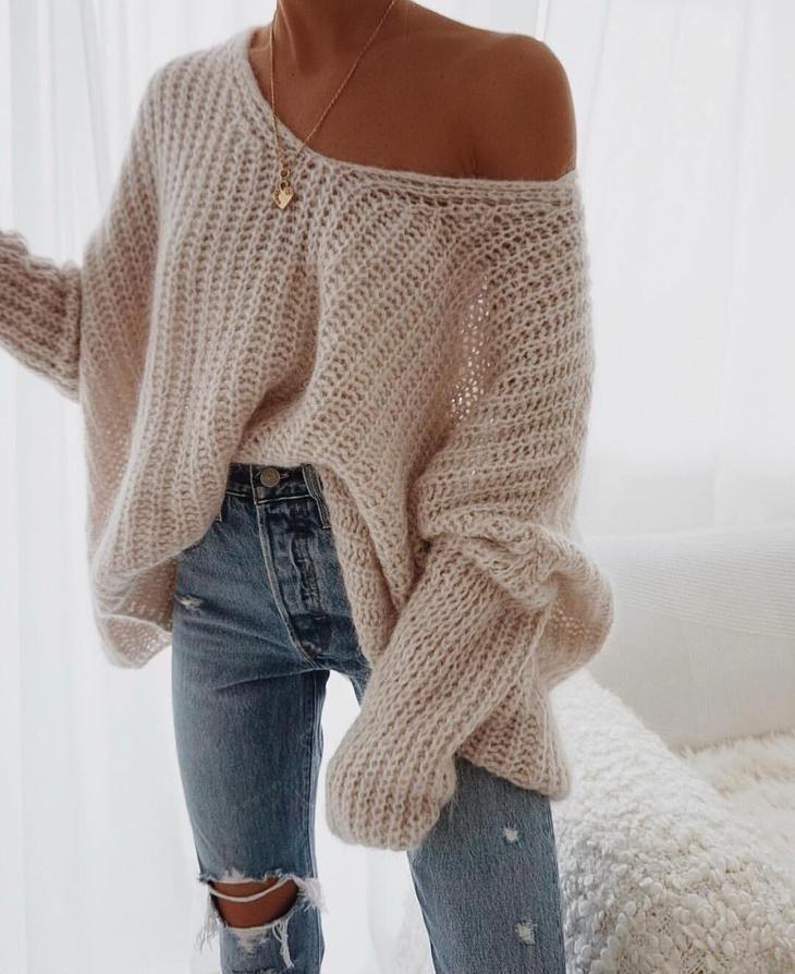 Jeans mit Strick 2019: 17 der ...   - style -   #der #Jeans #mit #Strick #Style #trendyspringoutfits