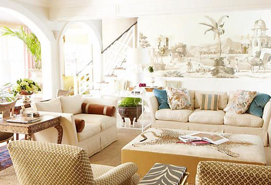 PALM BEACH POLISH Balmy weather, a rich history, and romantic architecture make Florida's easternmost point the original American resort. This assortment will allow you to bring that breezy style and its air of refinement to your space with aplomb and grace.