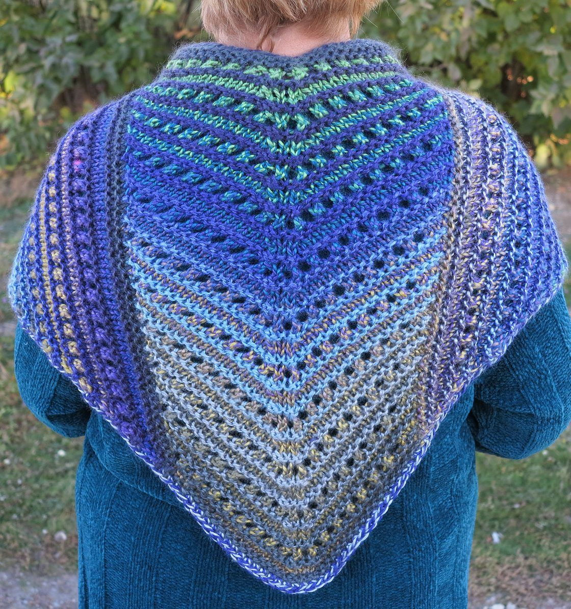 Free Knitting Pattern for Simple Lace Shawl | druty | Pinterest ...