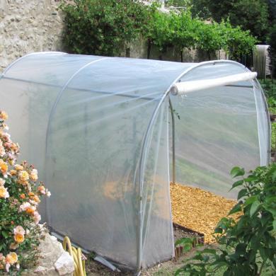 Montage d 39 une serre mara ch re ou tunnel serre jardin - Comment monter une serre de jardin ...