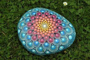 Mandala de verano sueño - piedra pintada a mano-