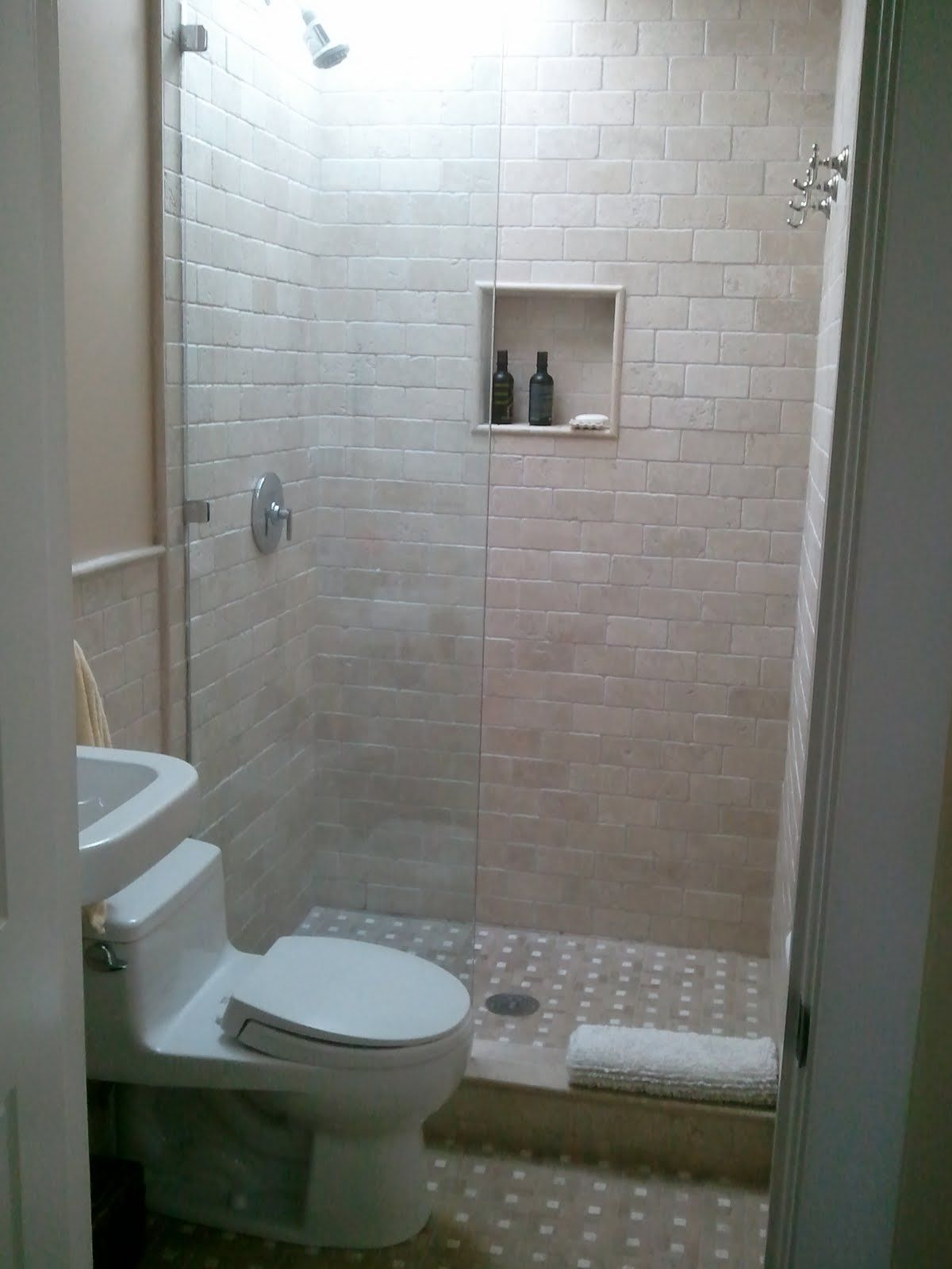 Similar To The Set Up In Our Guest Bath Glass Wall Is