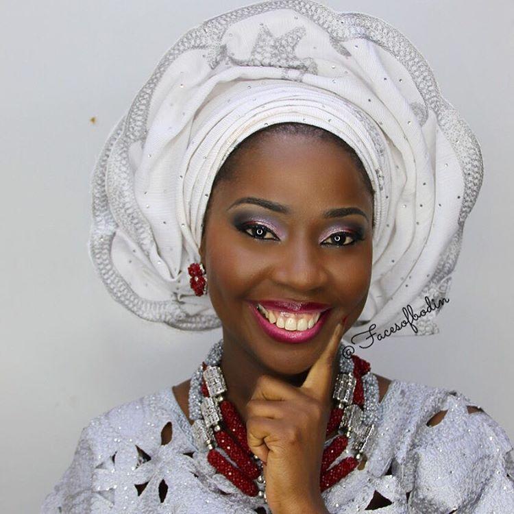 Beautiful smile, a truly happy bride. #facesofbodin #white #asooke #gele #grey #wine #smiles #beautifulbride #traditional #nigerian #bride #beads #happy #ceremony #love #family #union