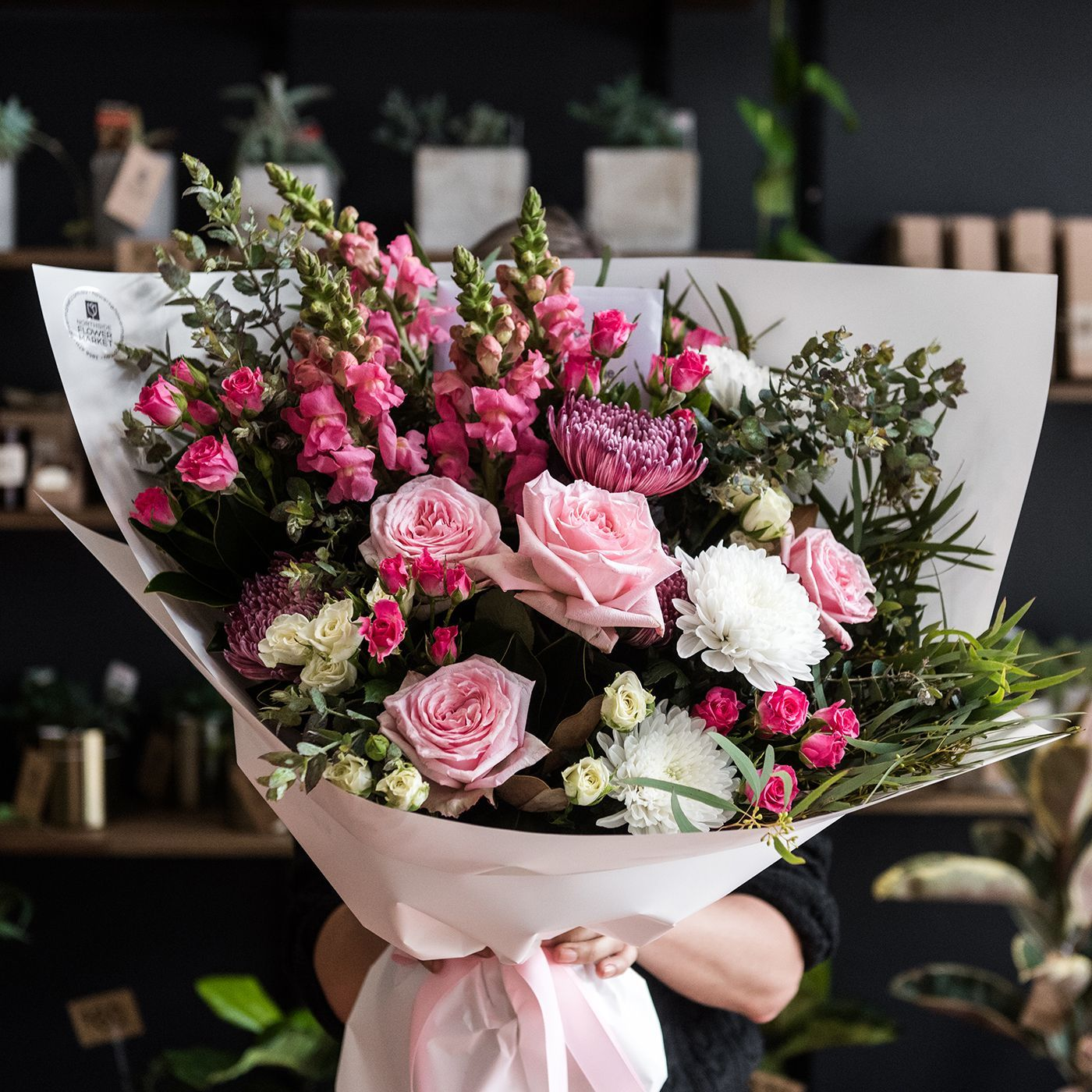 We All Know Someone Who Would Love This Incredibly Epic Designer Bouquet Beautiful Bouquet Of Flowers Flower Market Bouquet Arrangements