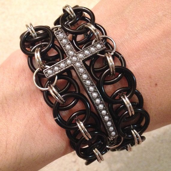 Curved Cross Chainmaille Bracelet, Cross Pendant Bracelet, Black Chainmaille Jewelry, Chainmaille Bracelet, Curved Cross Bracelet