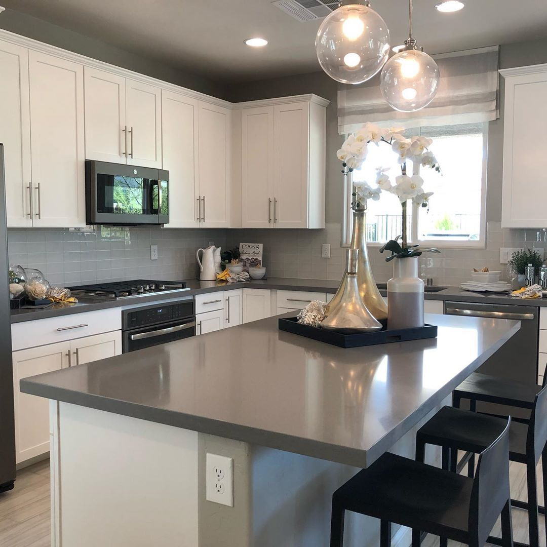 Who Loves Kitchens What Type Of Kitchen Do You Like Realestate Realty Realtor K Farmhouse Kitchen Cabinets Las Vegas Homes Las Vegas Real Estate