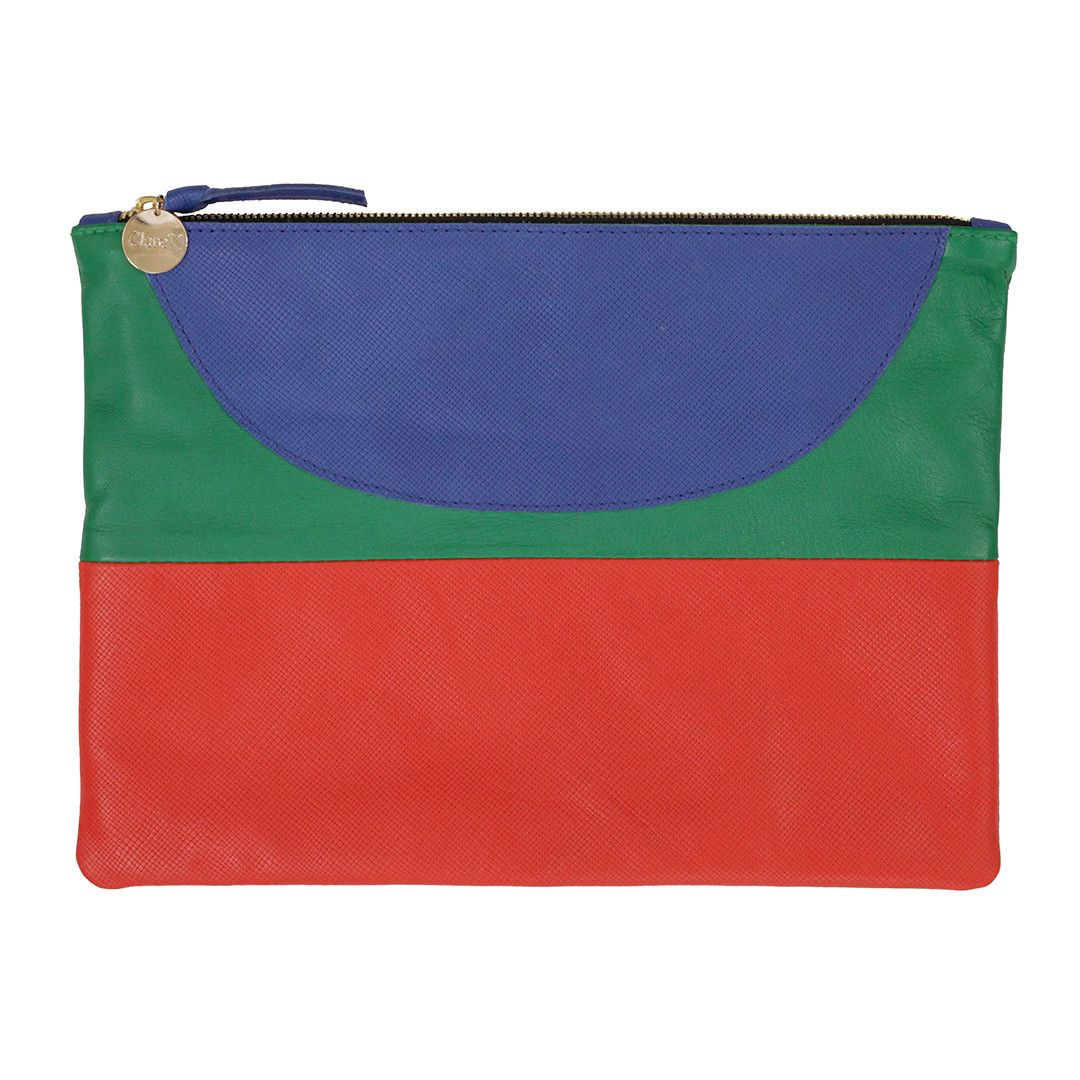 The Happy Patchwork Shapes Flat Clutch features a unique combination of leathers in this season's newest patchwork design. Our Happy Patchwork Clutch combines t