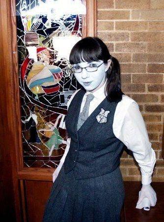 Maulende Myrte Kostum Selber Machen Diy Anleitung Maskerix De Harry Potter Halloween Kostume Kostume Selber Machen Halloween Kostum Selber Machen