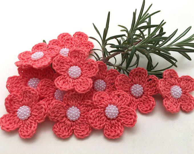 Applicazioni per abiti fiori ad uncinetto per bombonu crochet