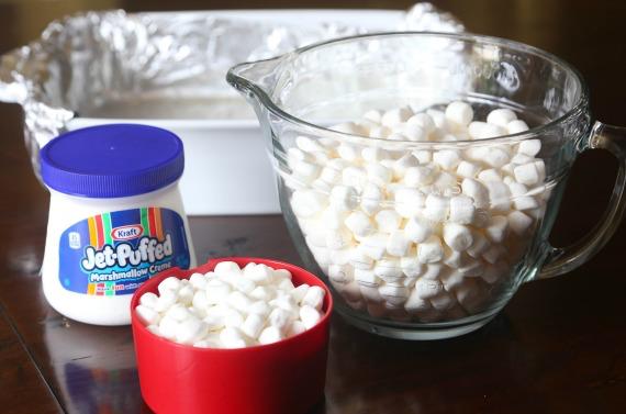 Marshmallow Fluff Krispie Treats #crispytreats