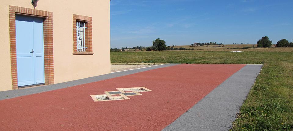 Sols ext rieurs en b ton drainant color toulouse - Beton colore pour terrasse ...