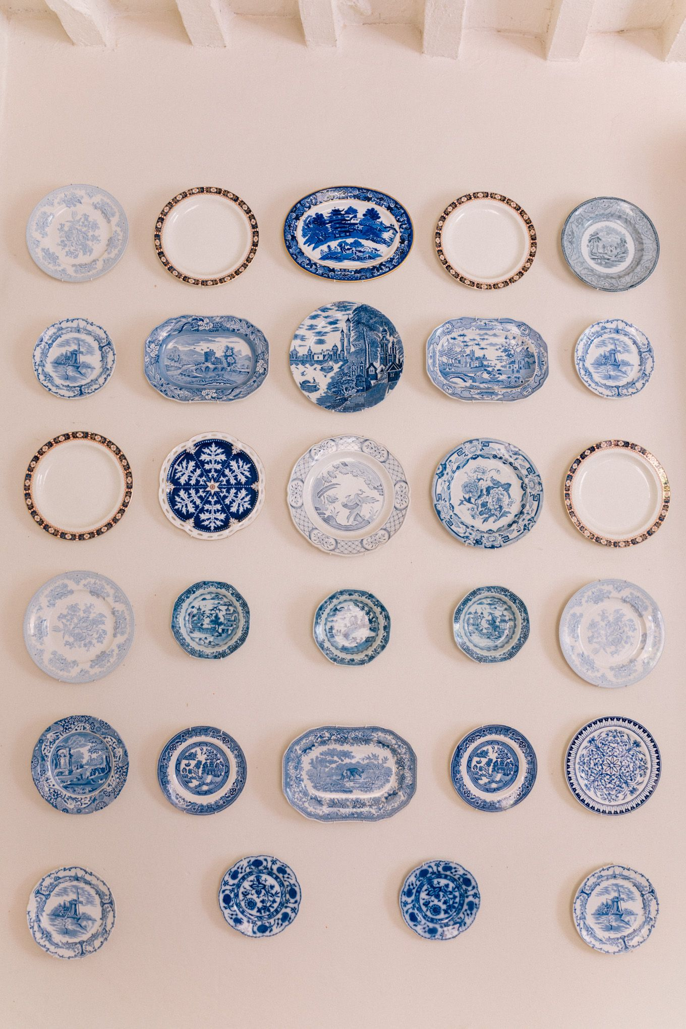 Blue And White Decorative Wall Plates Alluring Gal Meets Glam Provence House  Villa St Saturnin Via Haven In 2018