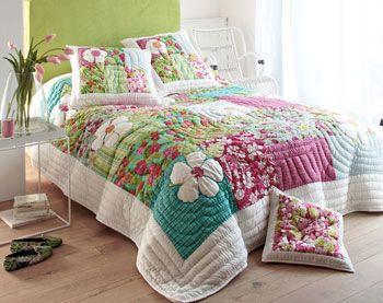 couvre lit patchwork fille Boutis, couvre lit, dessus de lit, jeté de lit | Becquet | Home  couvre lit patchwork fille