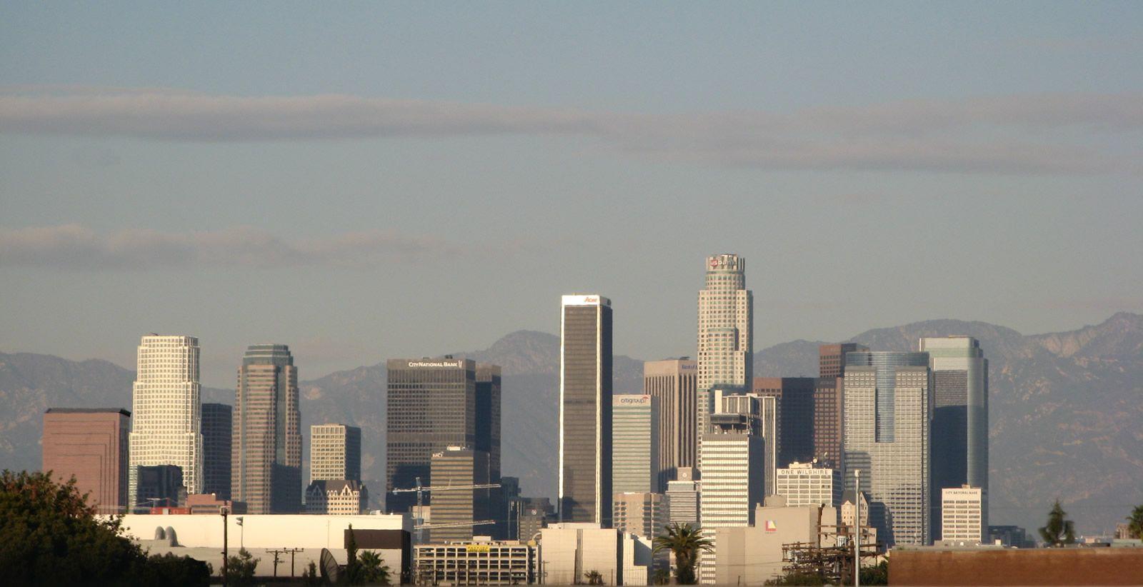 los_angeles_skyline.jpg (1600×822)