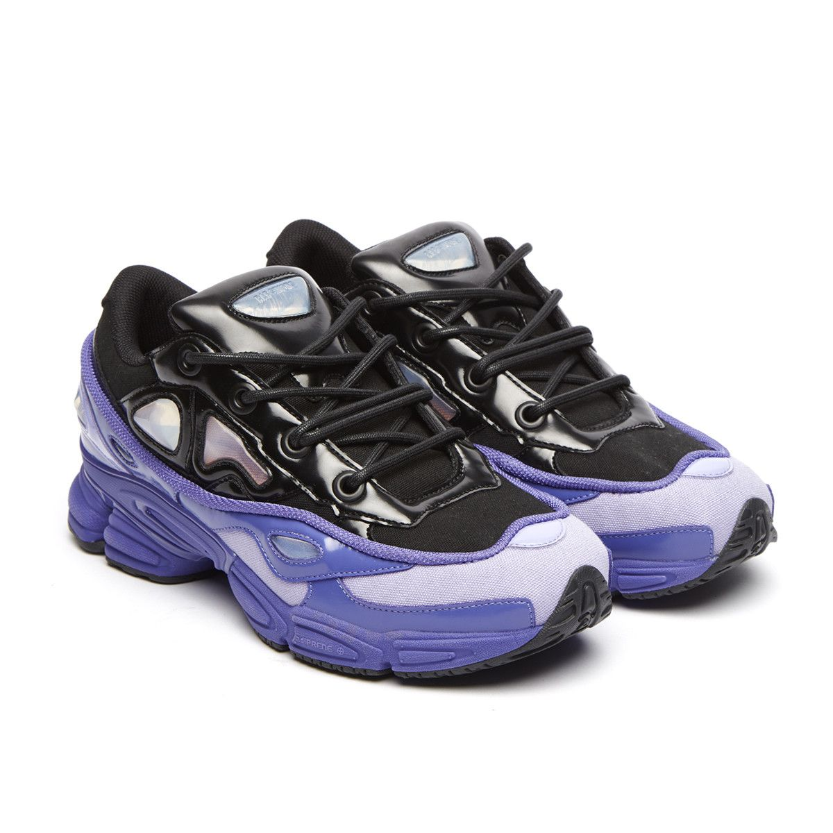 free shipping 20e40 15898 Ozweego III sneakers from the SS2018 Raf Simons x Adidas collection in  light purple