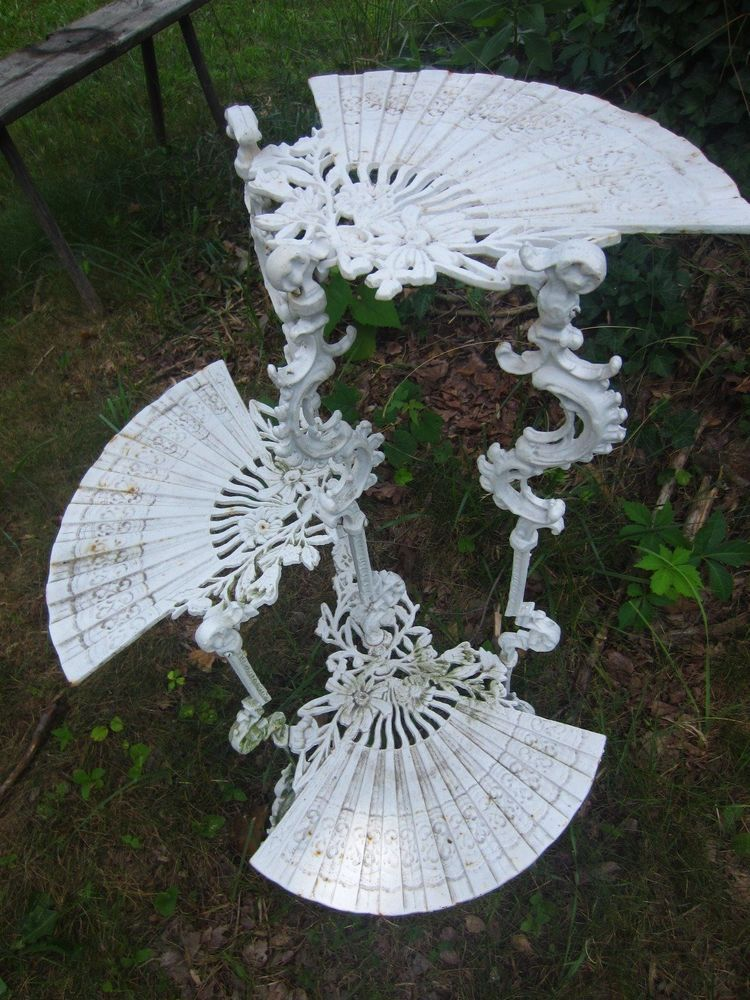 Antique Victorian White Ornate Fan Shaped Cast Iron Plant Stand