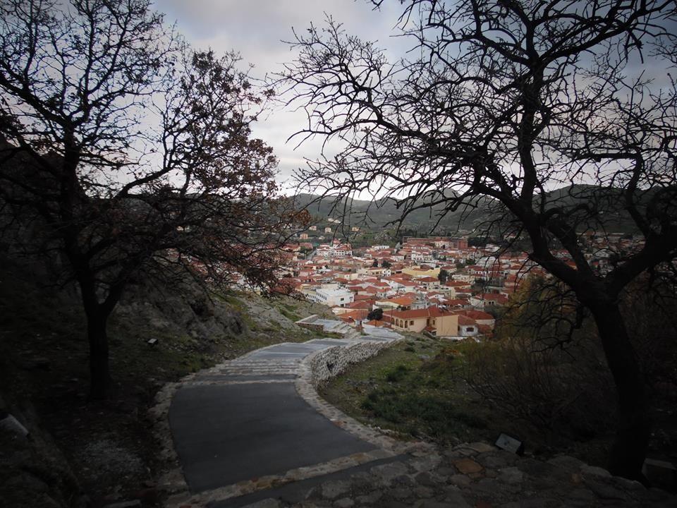 Φεύγοντας από το Κάστρο της Μύρινας στη Λήμνο ... - Leaving the Caslte of Myrina in Lemnos ...