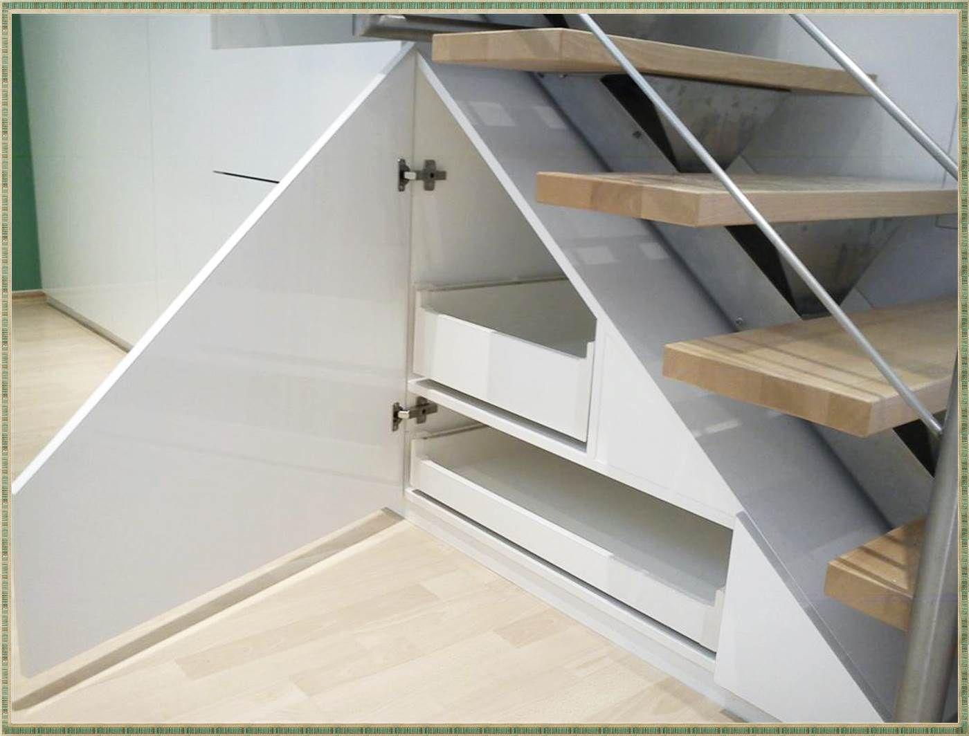 Pin Von Ania Dziakowicz Auf Dom In 2019 Stairs Furniture Und Shelves