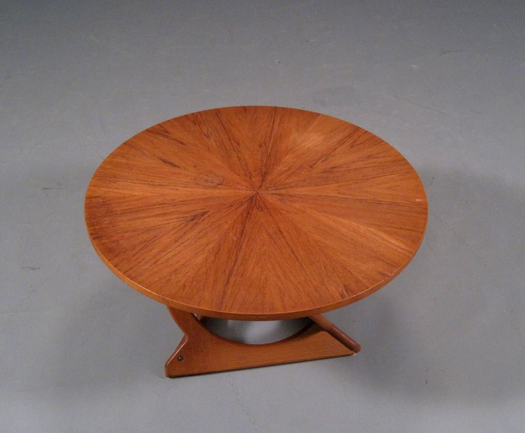 Round Teak Coffee Table By Søren Georg Jensen | From A Unique Collection Of  Antique And Modern Coffee And Cocktail Tables At ...