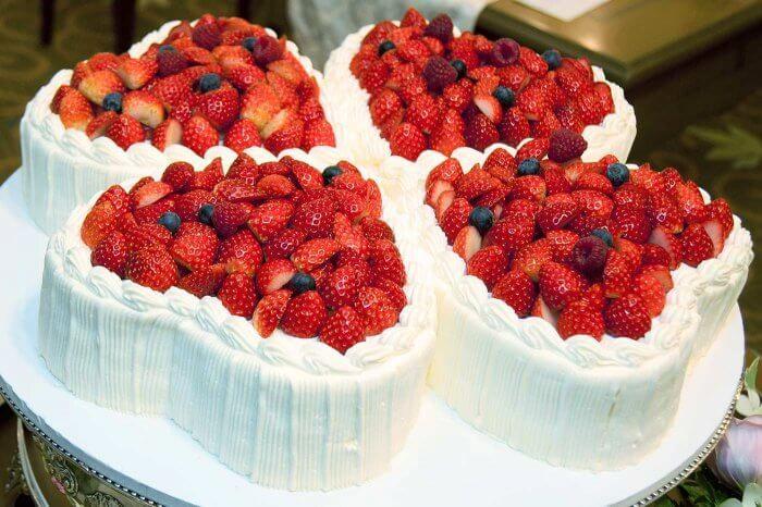 Hochzeitstorte Mit Erdbeeren I Inspiration In Der Bildergalerie
