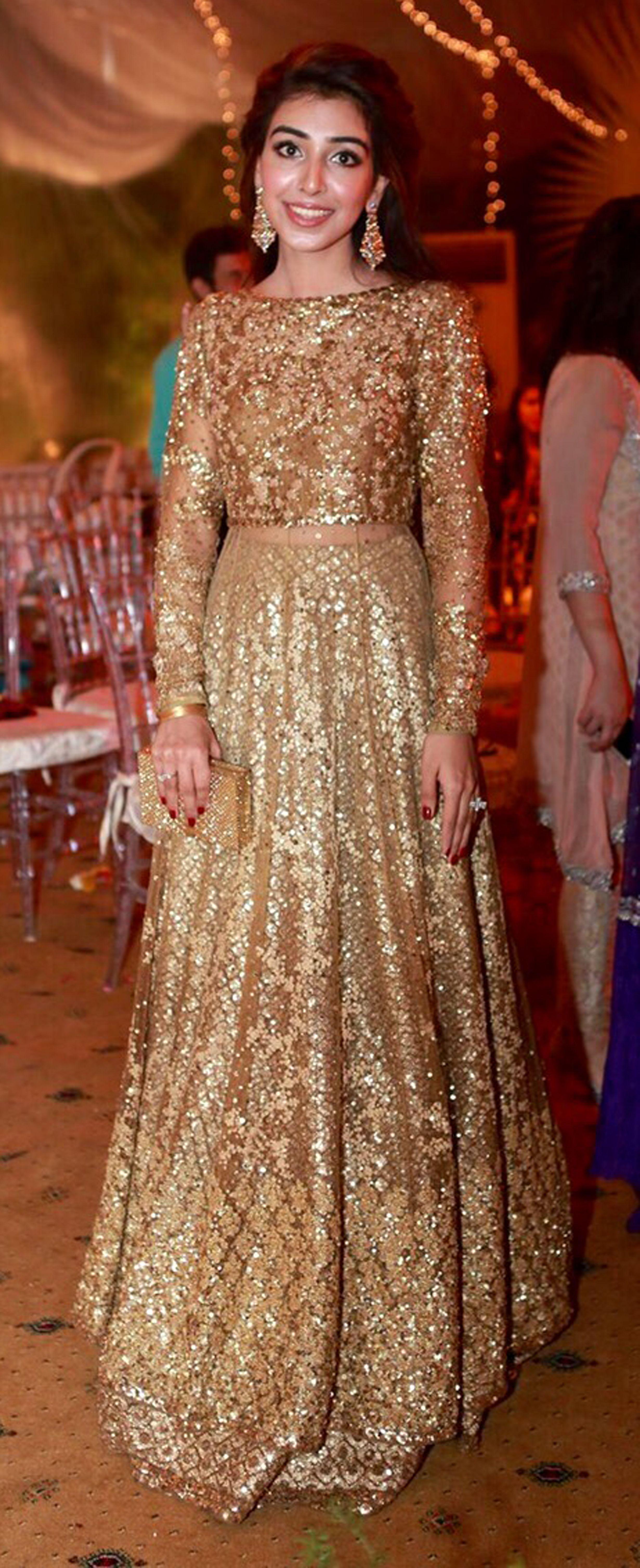 Pin von Zarah Clothing auf zarah Indian lehengas | Pinterest ...