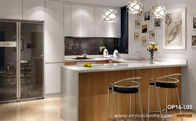 Modern Wood Grain Kitchen Cabinets Https Www Otoseriilan Com White Modern Kitchen Modern Kitchen Cabinet Design Modern Kitchen Cupboards